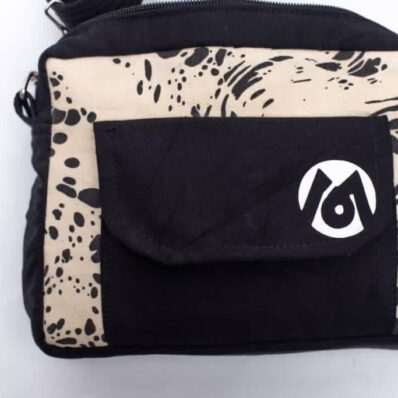 Put your favorite items within reach with the new Kidan Antidote-- side bag. The newest addition to our kidan series, the antidote is modeled after a panda and designed to accommodate all of your essentials. Carry it as a cross-body purse or on your waist--the Antidote can go either way! Perfect for daytime errands, weekend getaways, or for those nights out on the town.